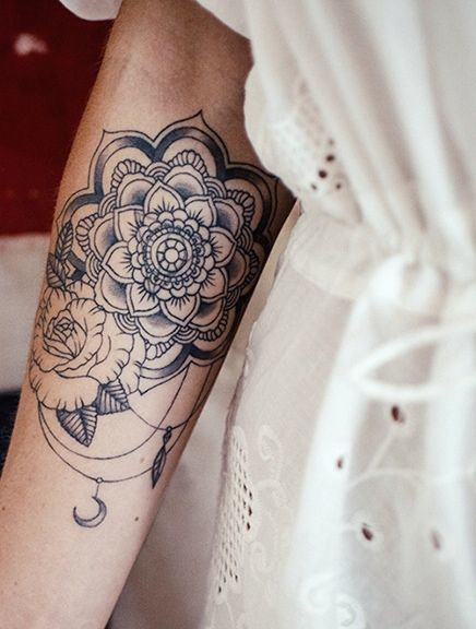 60 best arm tattoos meanings ideas and designs for 2016 for Delicate wrist tattoo designs