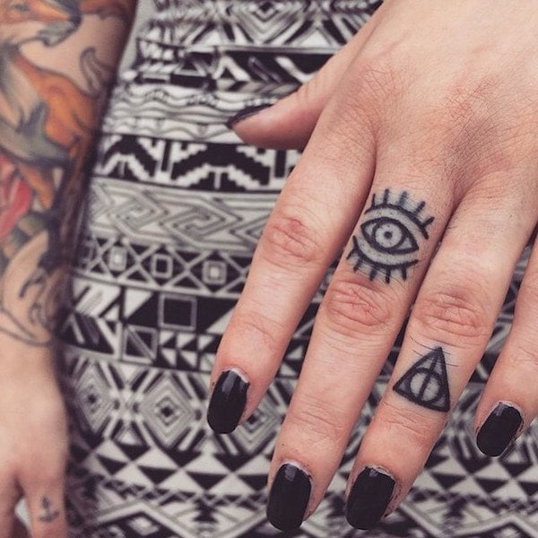 finger-tattoos-06