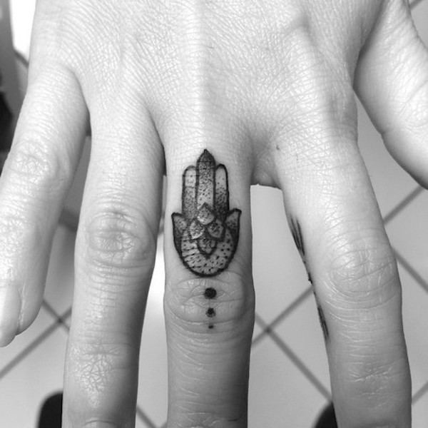 finger-tattoos-13